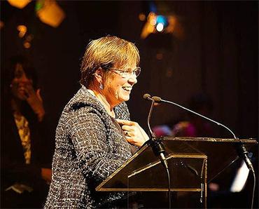 Alda Greoli retire aux Prix de la critique le soutien de la Fédération Wallonie Bruxelles